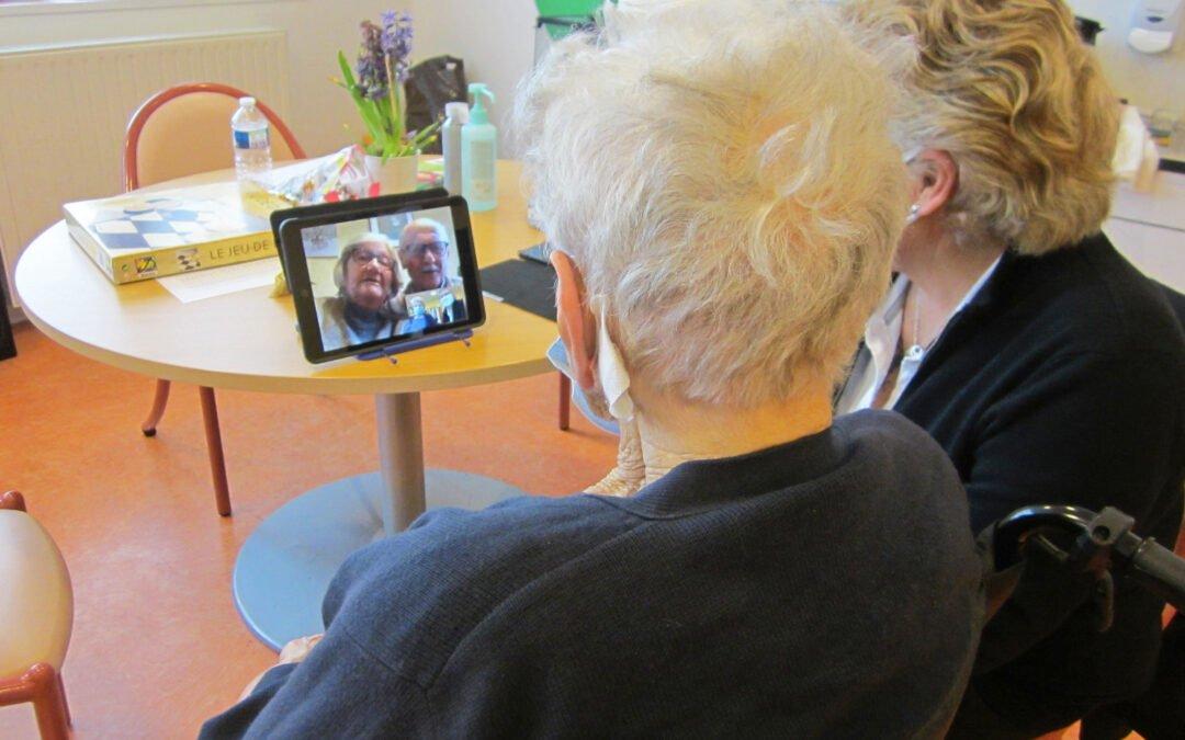 Des tablettes numériques pour lutter contre l'isolement