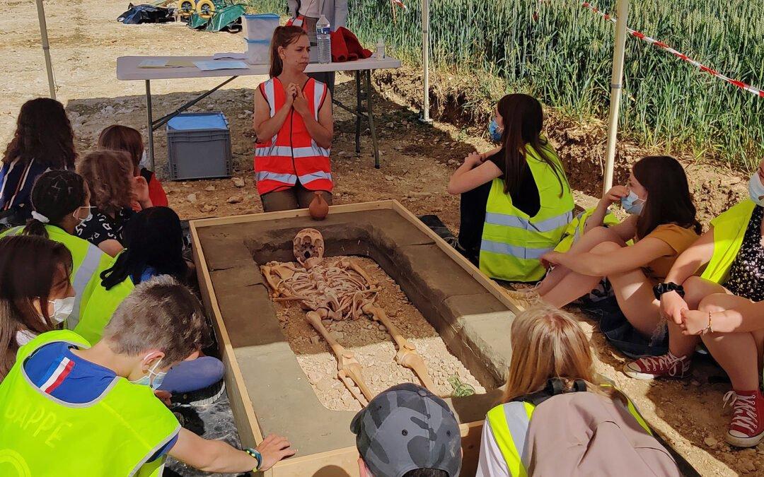 L'archéologie expliquée au jeune public