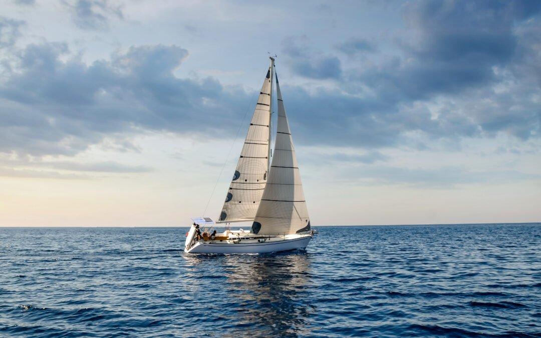 Balade en mer sur un voilier à Deauville